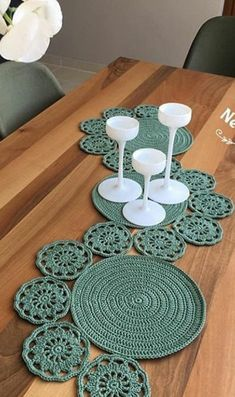 New Pictures Crochet Doilies circle Popular 120 cm Zoll lange gehäkelte Tischläufer gehäkelte Tischdecke gehäkelte … – virkatut Crochet Round, Crochet Home, Cute Crochet, Hand Crochet, Filet Crochet Charts, Crochet Motifs, Crochet Blanket Patterns, Doily Patterns, Lace Doilies
