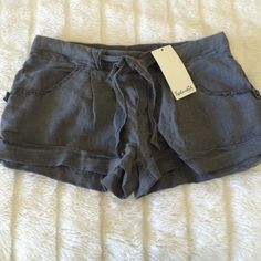 Splendid gray pajama shorts! Brand new never used! Still has tag!! Gray pajama shorts with pockets and bow string tie. Comfortable and cute! No trades. Splendid Intimates & Sleepwear Pajamas