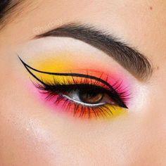 Edgy Makeup, Makeup Eye Looks, Eye Makeup Art, Colorful Eye Makeup, Crazy Makeup, Cute Makeup, Pretty Makeup, Eyeshadow Makeup, Bold Eye Makeup