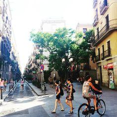 Summer time in the city  -  El Born - Barcelona, España