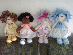 Bonecas em feltro, inspiradas na artesã Andreia Malheiros. Aceito encomendas, contato beatnokia@hotmail.com