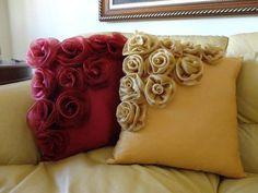 Capa de almofada com mini rosas
