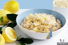 Lemon Risotto It's hard to imagine a world without lemons – nothing to squee… Lemon Risotto A world without lemons is hard to imagine – nothing to squeeze on fresh fish, no spicy lemon tartlets, no lemonade! This lemon risotto is fresh and tasty! Lemon Recipes, Paleo Recipes, Cooking Recipes, Fish Recipes, Recipies, Dinner Recipes, Lemon Tartlets, Parmesan Pasta, Mint