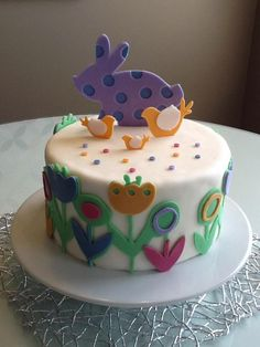 an Easter cake with the cricut cake.