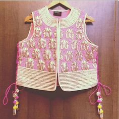 Pink and gold gota patti koti Indian Blouse, Indian Ethnic Wear, Choli Designs, Blouse Designs, Indian Suits, Indian Dresses, Indian Colours, Shrug For Dresses, Desi Wear