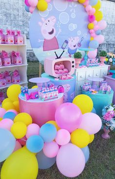 Peppa Pig Pinata, Fiestas Peppa Pig, Peppa Pig Balloons, Cumple Peppa Pig, Peppa Pig Birthday Decorations, Peppa Pig Birthday Cake, 2nd Birthday Party For Girl, Pig Party, Picnic Recipes