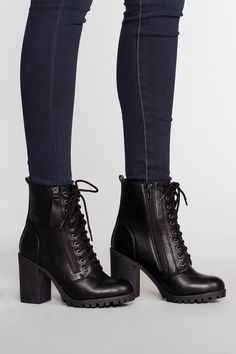 Ladies Short Boots Leather Boots Snow Boots Girls Cowboy Boots Women'S Lace Up Ankle Boots Uk Baby Leather Boots High Heel Combat Boots, Combat Boot Outfits, Black Heel Boots, Black High Heels, Shoe Boots, Boot Heels, Stiletto Boots, Black Combat Boots, Black Heeled Boots Outfit