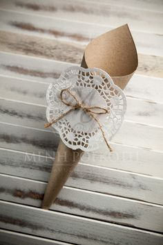 Eco paper cones with paper lace doilies