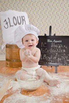 J'adore faire de la pâtisserie :-) Je veux être un bon chef pâtissier comme mon papa.... ^___^ Pour ça, il faut que je m'entraîne! ♡ ♡ ♡ ♡