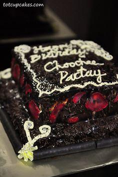 chocolate cake ~totcupcakes.com~ http://pinterest.com/ahaishopping/