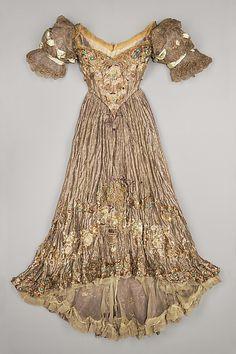 ❥ Dress, Evening  Jacques Doucet (French, Paris 1853–1929 Paris)  Date: 1898–1900 Culture: French