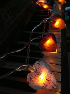 Mint & Vanilla: DIY Musical Fairy Lights