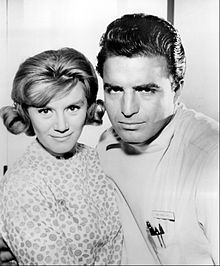 Ben Casey is an American medical drama series which ran on ABC from 1961 to Starring Vince Edwards and Sam Jaffe Vince Edwards, Ben Casey, Newscaster, Montgomery Clift, Actor Studio, Medical Drama, The Way I Feel, Old Shows, Old Tv