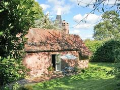Romantic period cottage next to Battle Great WoodHoliday Rental in Rother from @HomeAway UK #holiday #rental #travel #homeaway
