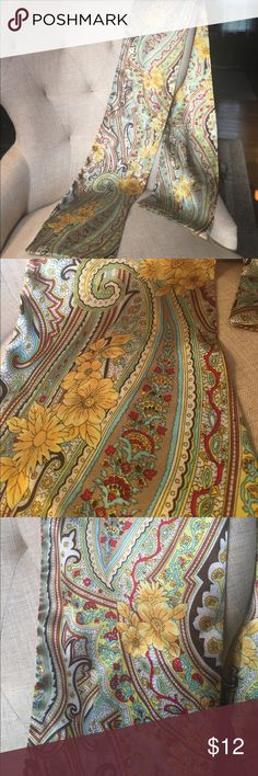 Women's Fashion Head Wrap with floral design Women's Fashion Head Wrap with floral design. Yellow, gold toned, with browns, creams, and turquoise light colored blue hints. Very pretty head wrap for the hippie spirit/ free spirit in You😻 Fashion Head Wrap Accessories Scarves & Wraps