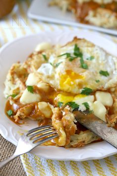 Poutine Hash Brown Waffles: Crispy potato waffles, homemade gravy, cheese curds and a fried egg. Hello, breakfast! @nutmegnanny