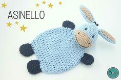 Eselchen Asinello, das niedliche Schmusetuch eignet sich besonders für unsere kleinen Lieblinge. Es ist kuschelig weich und leicht im Gewicht, sodass es Babys liebster Spiel-und Schlafgefährte werden kann. Asinellos Kopf bietet zudem ausreichend Platz f