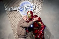 Marvel Legend Stan Lee was at Hong Kong Disneyland Tomorrowland a few days ago to discover the Iron Man Experience ride, as you can check ...