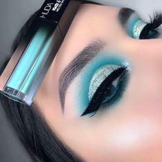[New] The 10 Best Eye Makeup Today (with Pictures) Makeup Eye Looks, Eye Makeup Art, Blue Eye Makeup, Glitter Makeup, Smokey Eye Makeup, Pretty Makeup, Eyeshadow Makeup, Eyeliner, Creative Eye Makeup