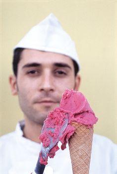 Un gelato a Napoli? Si, grazie! Photo by Jean-François Mallet