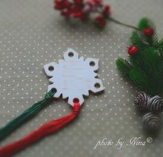 Handmade, hand cut, hand painted wooden thread keeper in SNOWFLAKE shape.  Handmade by Hababann Design