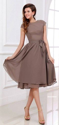 A-Line/Princess Scoop Neck Knee-Length Chiffon Bridesmaid Dress With Bow. JJsHouse -- if I were to do a shorter bridesmaid dress, this would be an option Mob Dresses, Tea Length Dresses, Short Dresses, Bridesmaid Dresses, Bridesmaids, Bridesmaid Ideas, Dresses 2016, Bridesmaid Color, Dresses With Sleeves