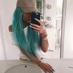 Kylie Jenner's Blue Hair | Spring 2015 | POPSUGAR Beauty Kylie Jenner New Hair, Style Kylie Jenner, Nails Kylie Jenner, Kylie Jenner News, Looks Kylie Jenner, Kris Jenner, Kendall Jenner, Kylie Blue Hair, Kylie Jenner Cartier
