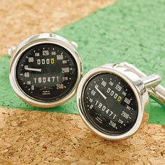 Personalised Speedometer Cufflinks, Valentines Gifts for Him suggestion.