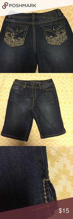 Code Bleu Annette 8/28 shorts Excellent condition no signs of ware or missing jewels. Size 8/28 Code Bleu Shorts Bermudas