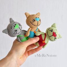 Crochet Cat Pattern, Crochet Patterns Amigurumi, Amigurumi Doll, Crochet Dolls, Free Pattern, Knitting Patterns, Chat Crochet, Crochet Mignon, Crochet Baby