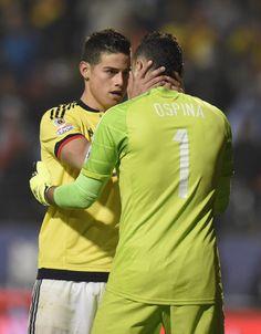 """James Rodríguez y David Ospina:""""¡no es que los jugadores argentinos sean mejores que los colombianos, el quid del asunto es que ellos sí se lo creen!"""" (eliminación cuartos de final Copa América, Chile 2015)."""