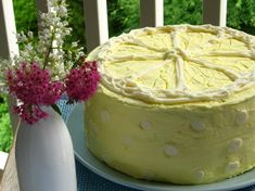 Lemon Raspberry Cake. Oh my, this sounds soooo delicious!  But its definitely a special events cake.
