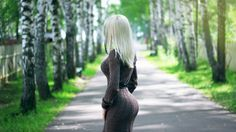 девушка, блондинка, взгляд, платье, попка, попка, лес, береза, дерево, дорога, милая, красивая, сексуальная, симпатичная, секси, стройная, милашка, няшка 2560 x 1440
