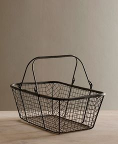 Inspired by a vintage market basket found at a flea market our wire bread basket has handles that fold down and stacks. Makes a great picnic basket or use to organize essential household items. Vintage Farm, Vintage Market, Vintage Decor, Iron Furniture, Unique Furniture, Broom Holder, Affordable Storage, Craft Fair Displays, Happy Kitchen