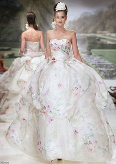 Floral wedding dresses via romona keveza floral wedding wedding 20 floral wedding dresses that will take your breath away atelier aimee floral wedding dress junglespirit Choice Image