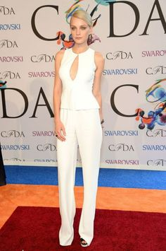 Jessica Stam is sharp in a white on white ensemble. #CFDAawards