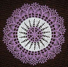 Two-tone Doily by American Thread Company  FREE PATTERN