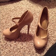 Forever 21 heels Size 7.5 forever 21 nude heels Shoes Heels