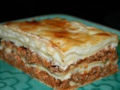 You will find here various recipes mainly traditional Romanian and Mediterranean, but also from all around the world. Baked Lasagna, Sweets Recipes, Desserts, Bechamel Sauce, Tomato Juice, 30 Minute Meals, Sour Cream, Carrots, Spices