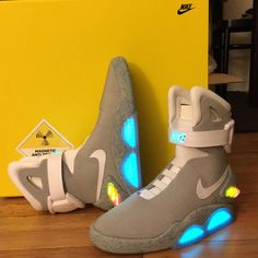 58e7e2155bb0 2011 Nike Air Mag Marty McFly Back to The Future II BTTF Sneakers Size 10