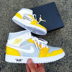Cute Sneakers, Sneakers Mode, Sneakers Fashion, Best Sneakers, Jordans Sneakers, Pink Jordans, White Jordans, Yellow Sneakers, Air Jordan Sneakers
