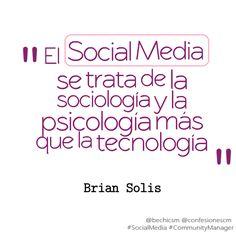 #CommunityManager el #SocialMedia es...