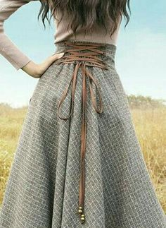 Consider Autumn 2018 in Subtle Copper with Hints Of Gold Highlights Waist And To., Consider Autumn 2018 in Subtle Copper with Hints Of Gold Highlights Waist And To. Consider Autumn 2018 in Subtle Copper with Hints Of Gold Highlight. Diy Clothes, Clothes For Women, Sewing Clothes, Dress Sewing, Diy Kleidung, Diy Vetement, Mode Outfits, Vintage Skirt, Vintage Long Dress