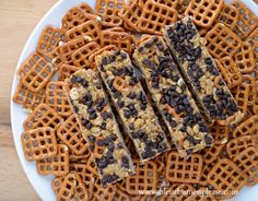 chocolate peanut butter pretzel granola bars, homemade granola bar recipe