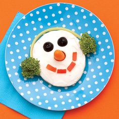 Snowman face for a healthy #kid #snack idea.