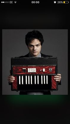 At English jazz-pop phenomenon Jamie Cullum's star is higher than ever. He's charismatic, has boundless energy on stage, and puts on wild live shows, never Jamie Cullum, Jazz, Rihanna, Mary Mccartney, Singer One, Department Of Veterans Affairs, American Tours, Fender Squier, News Channels