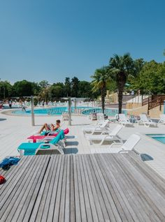 Itálie, Lignano Sabbiadoro, dovolená u moře, kemp Camping Sabbiadoro. Dovolená v kempu, ubytování v mobilhomu, komplex s bazény, písečná pláž. Slunce, moře, pláž, koupání a opalování, zábava, špagety a pizza, víno, italská zmrzlina.