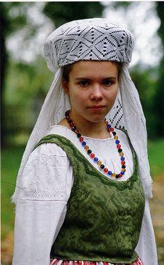 44a2c3034e44b11aa9f22a31c59429a5  costume folklorique folk costume Culture of Lithuania