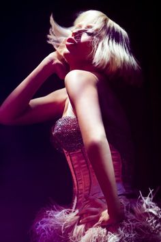 Christina Aguilera performing I'm a Good Girl from Burlesque The Movies
