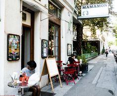 """Kitch und Plastik im Thai-Original - Besuch bei """"Mamamon Thai Eatery"""" Restaurant, The Originals, Counter Height Stools, Diner Restaurant, Restaurants, Dining"""